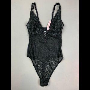 NEW!💝Victoria's Secret floral lingerie